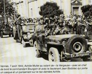 jeep Achille au volant entrée Vannes